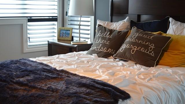 Synthetik oder Daunendecken – der Bettdecken Vergleich!